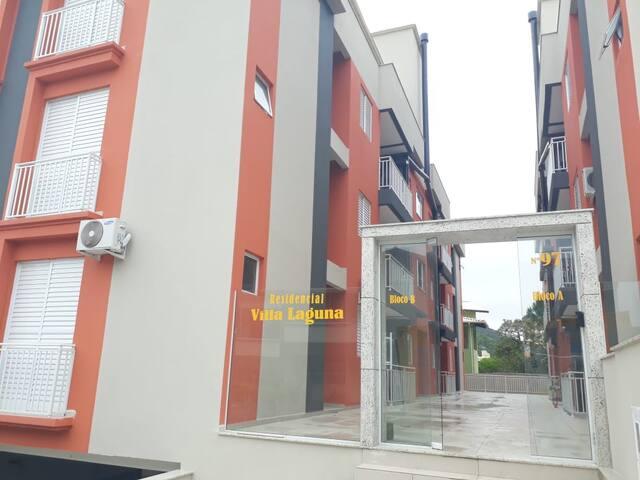 Apartamento 2 quartos - Praia do Santinho - 304B