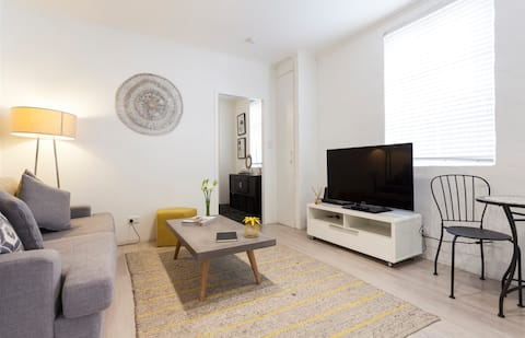 1 bed in Heart of Mosman