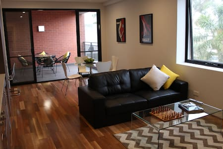 Café Strip Apartment near the Perth CBD - Maylands - Pis