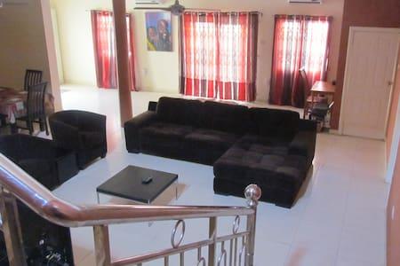 Bedua Home Suites Guestroom 2 - Hus