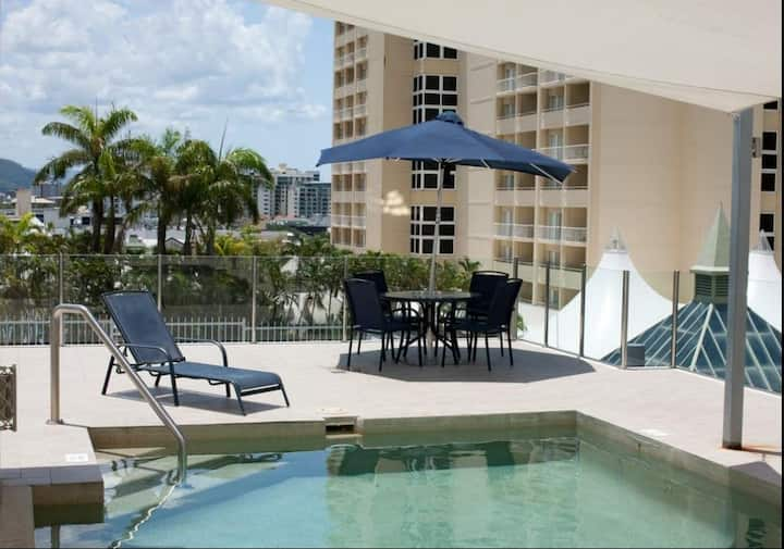 30~35% W/M Off Feb~May Best 1 bed APT Cairns City
