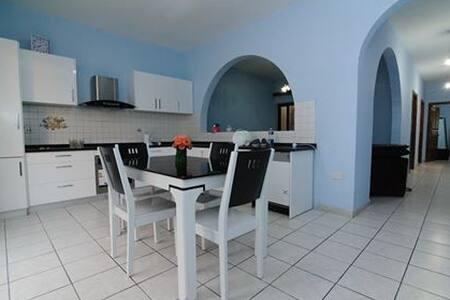 Imsida 3 Bedroom apartment - Birkirkara