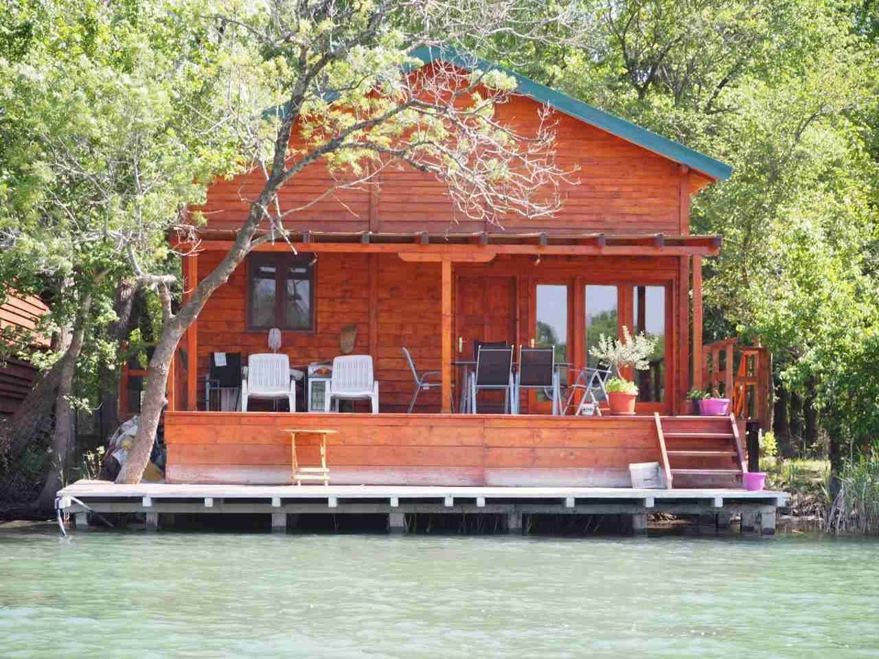 relaxing place to stay,dont need go to beach the river is clean and good for swim