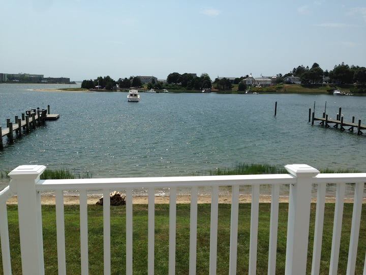 Beach House, 4 bed, private dock