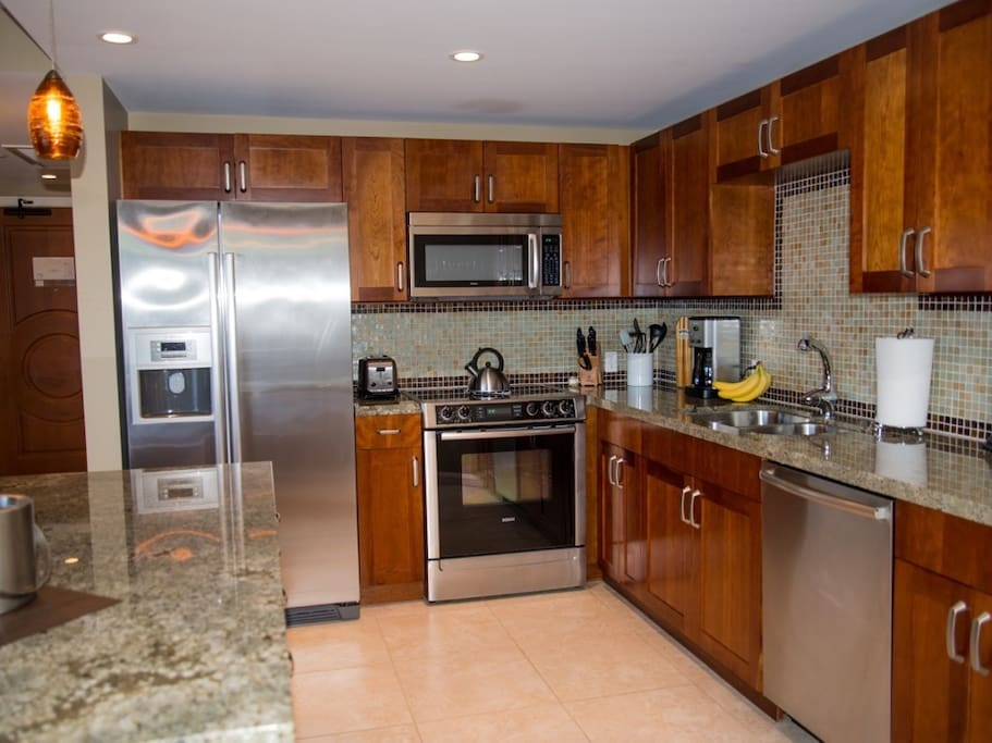 This kitchen is gourmet from top to bottom