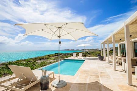Reef3 Oceanfront Villa (123522)
