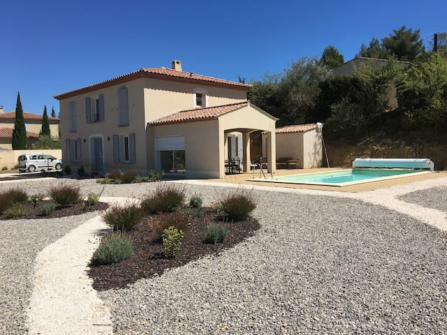 4 Bedroom Villa in a fantastic location - Saint-Laurent-de-la-Cabrerisse - Hus