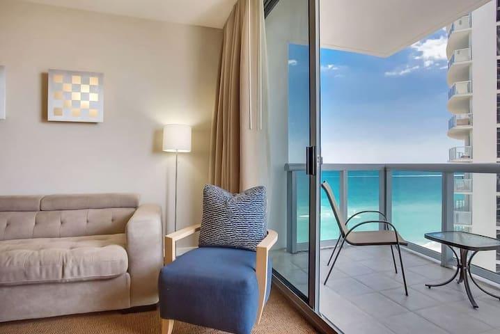 #06 1BR Suite w/ Oceanview @ Marenas Beach Resort - Sunny Isles Beach - Kondominium