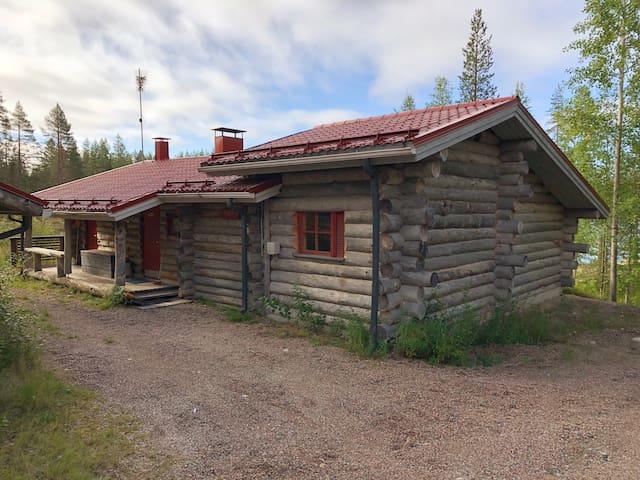 Cozy Log Cabin by the Lake (Ruska-Lodge)