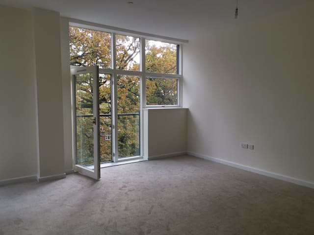 Brand new spacious 1 bed flat for rent