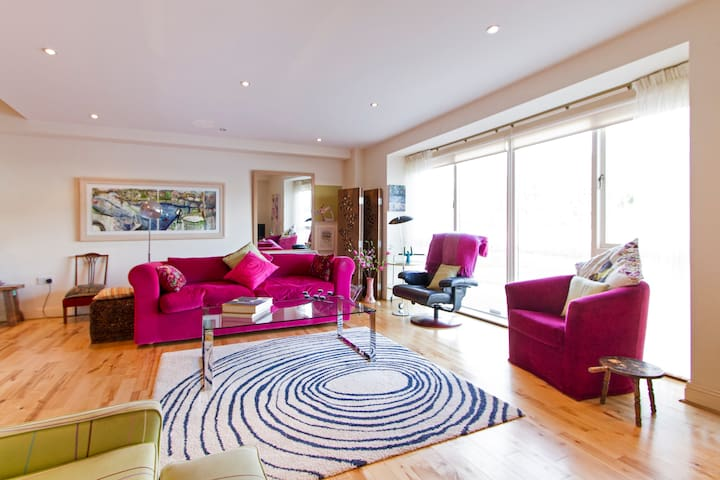 Luxury 2 Bed Apt with Stunning View - Newport - Leilighet