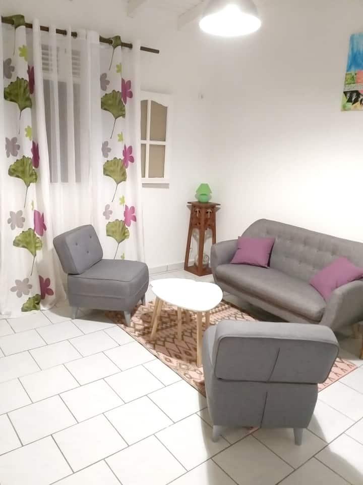 Appartement d'une chambre à Deshaies, avec magnifique vue sur la mer, jardin aménagé et WiFi - à 9 km de la plage