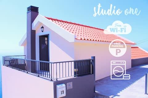 Studio One | Perfect Budget Retreat with Free WIFI