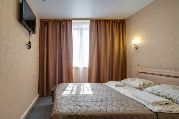 Улучшенный номер в гостинице Уральская
