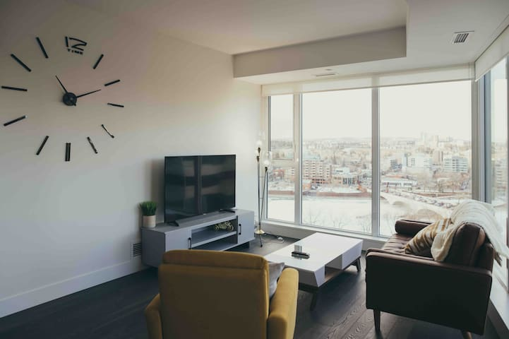 DT West End Condo - 2 Bedroom with Expansive Views