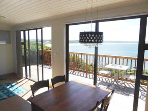Sonvanger - one bed flat overlooking sea and beach