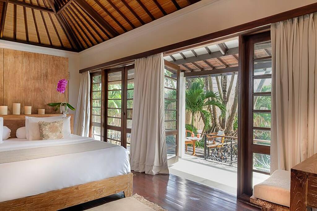 Villa No. 16-Master Bedroom