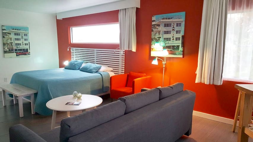 Executive King Suite - Beachfront Hotel