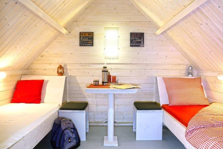 2-persoons kampeerhut op loopafstand strand - Ouddorp - Choza