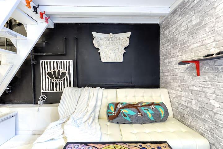 Artist studio loft experience@ venice beach