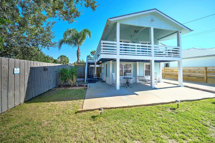 Affordable! Short walk to the beach! Hot Tub!