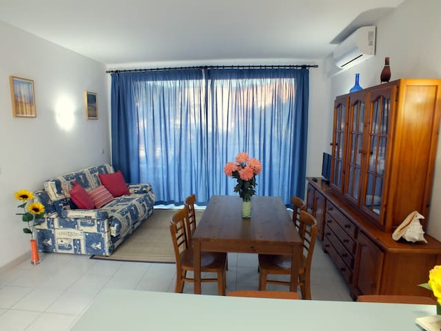 Apartamento 1º cerca de la playa parking privado