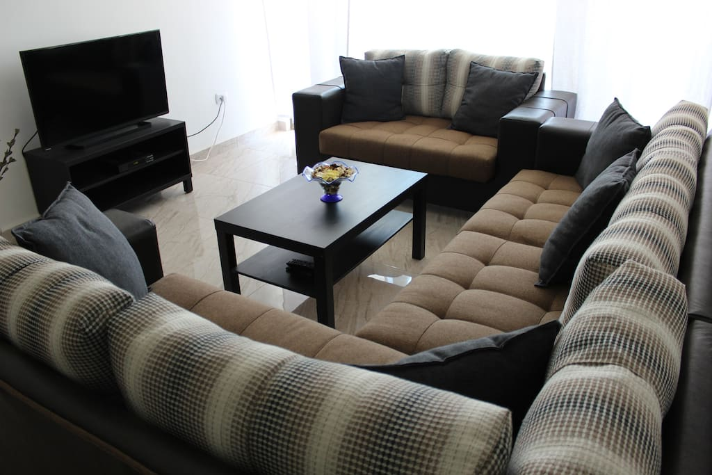 2 br flat in the middle of amman apartments for rent in for Living room amman