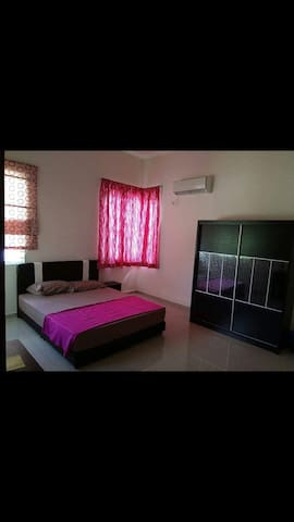 Lakeside Bed & Breakfast @ KLIA - Nilai - Penzion (B&B)
