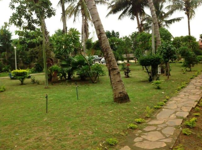Palm Gold Guest House - Matola - Aamiaismajoitus