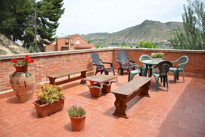 APARTAMENTO TURISTICO ROGER EN MEQUINENZA - Mequinenza - Lägenhet