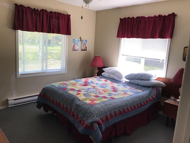 Bedroom 1 master