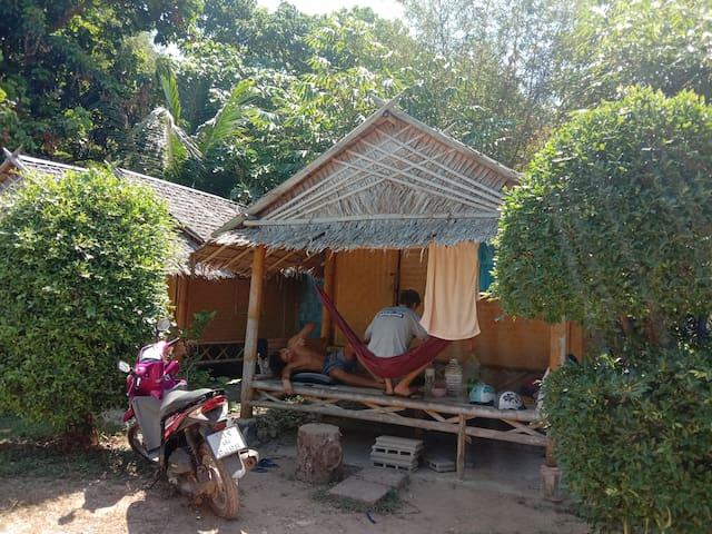 Klong Khong Garden Hut/Shared Kitchen