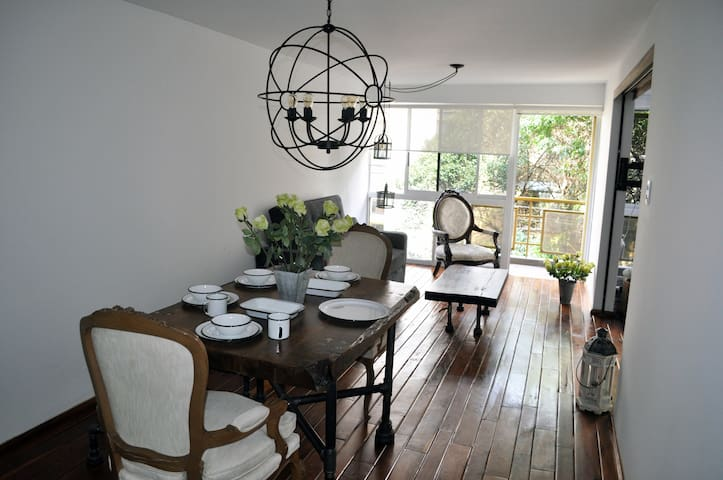 COMFORT + A GORGEOUS APARTMENT IN CONDESA