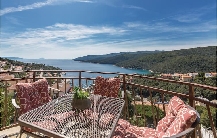 Holiday apartment with 2 bedrooms on 49m² in Rabac