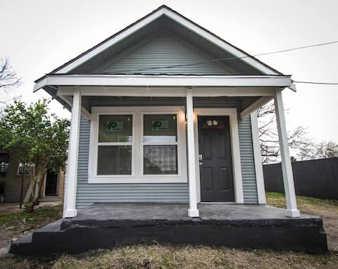 Remodeled House Near Downtown 1BA/1BA