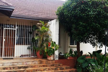 3- roomed suite in Family home, lovely Garden - Harare