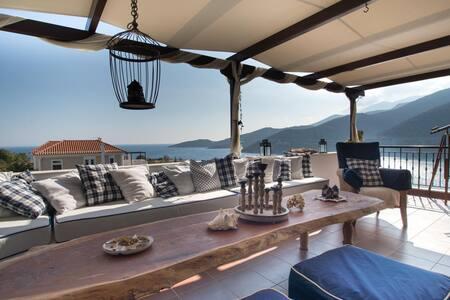 Floating Villa near Astros, East Peloponnese
