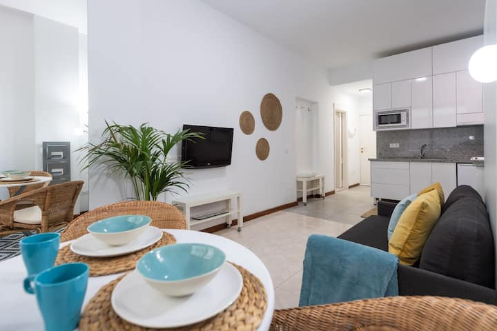 Cozy and Creative with side-seaview Las Canteras