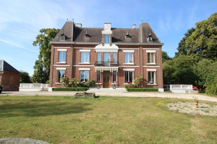 Château de Martinsart  B&B 1 Bedroom near Albert