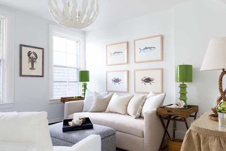 CENTERLOFT -  New In-Town Designer Cottage