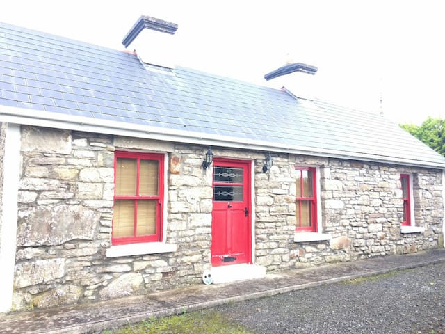 Cosy Cottage Retreat - Kiltimagh, County Mayo, IE - Hus