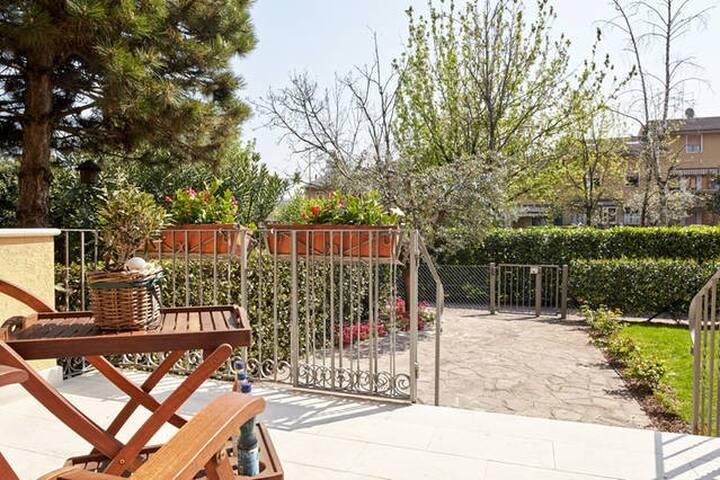 IdealComfortAirbnb - Bussolengo - House