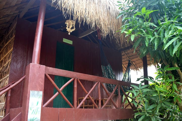 Bungalows en pleine nature tropicale