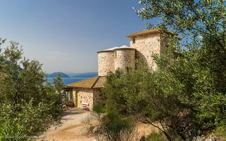 Towervillas Mint Tower - Vasiliki - บ้าน