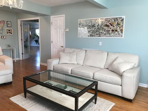 Lg BRs Private Liv Rm No Clean Fees! Close to DWNT