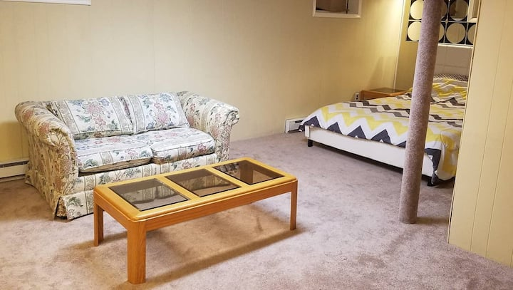 Furnished Prvt Studio in Great Location+Laundry!