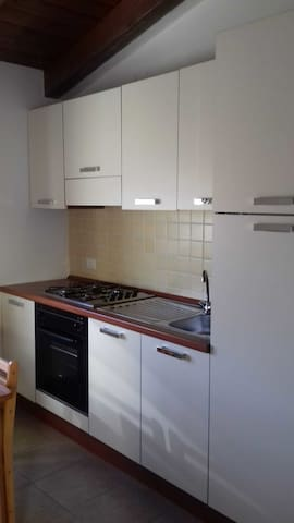Holiday Apartment Close to the Beach with Air Conditioning & Balcony; Pets Allowed