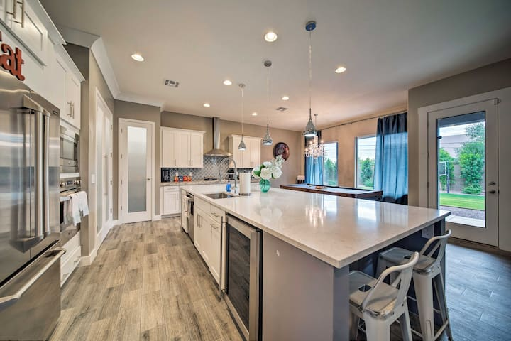 High-End Phoenix Home w/Volleyball Court & Hot Tub