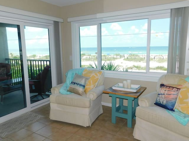 Gulf View Paradise Located on Bradenton Beach