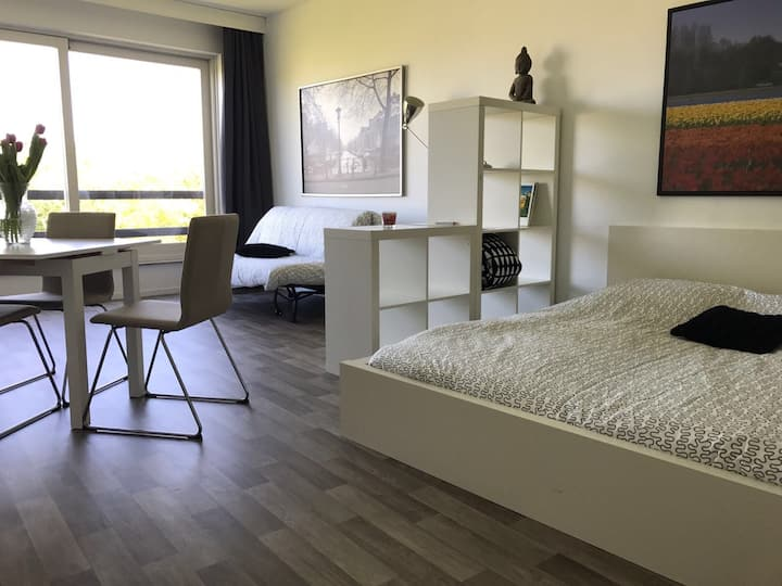 Private Studio near Amsterdam! Free Parking! Golf